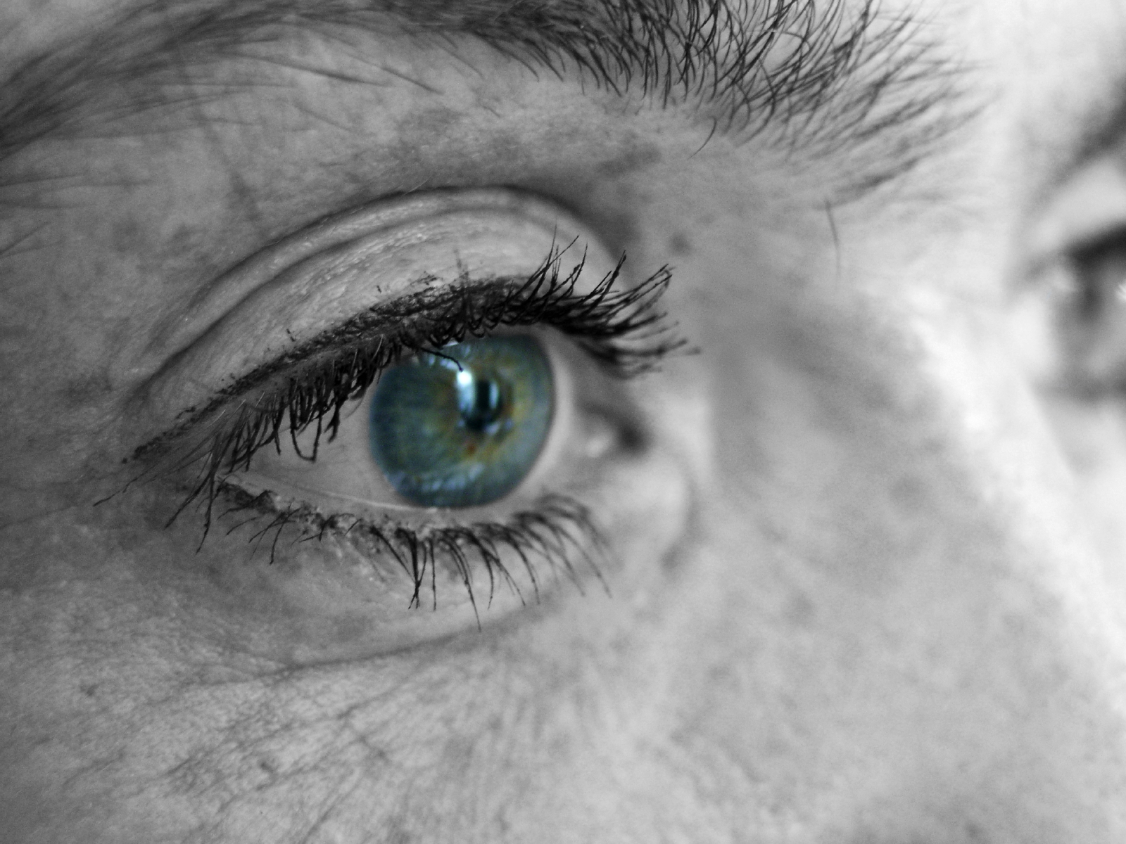 Getting older doesn't mean going blind. Unless you're lacking this important vitamin, that is. And it's hard to get enough of it from just the foods you eat.
