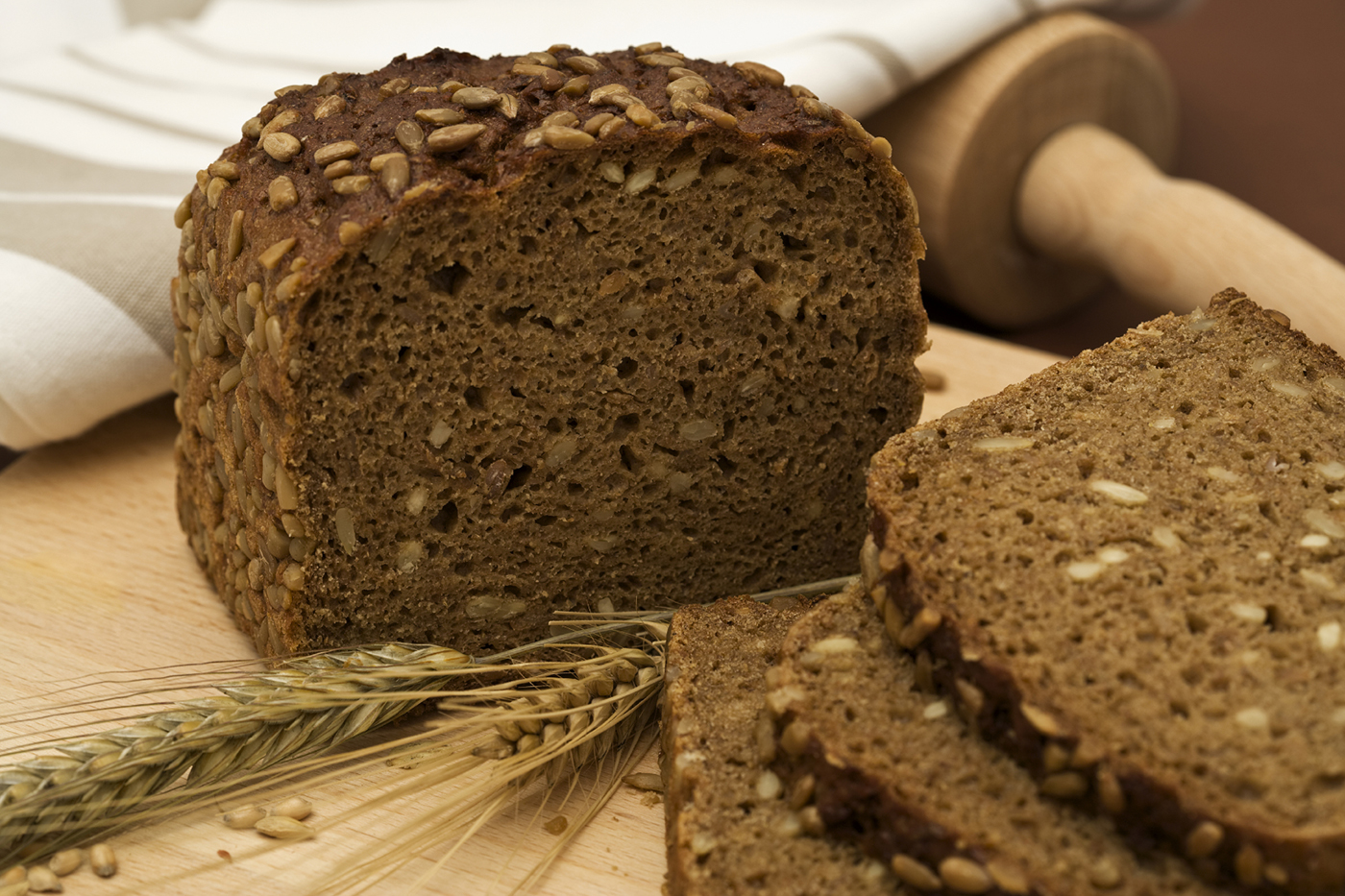 """Experts say eating whole grains will make you live longer… But eating this """"health food"""" every day sets you up for some of the deadliest diseases around."""