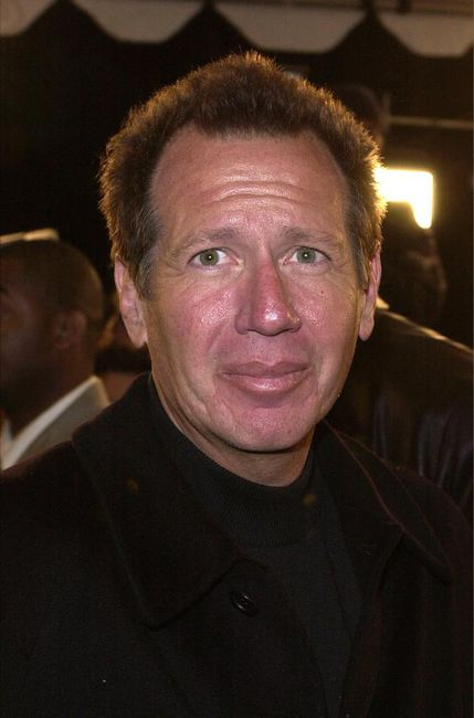 Comedian Garry Shandling died of a massive heart attack. But did he ignore the warning signs that something was wrong with his heart?
