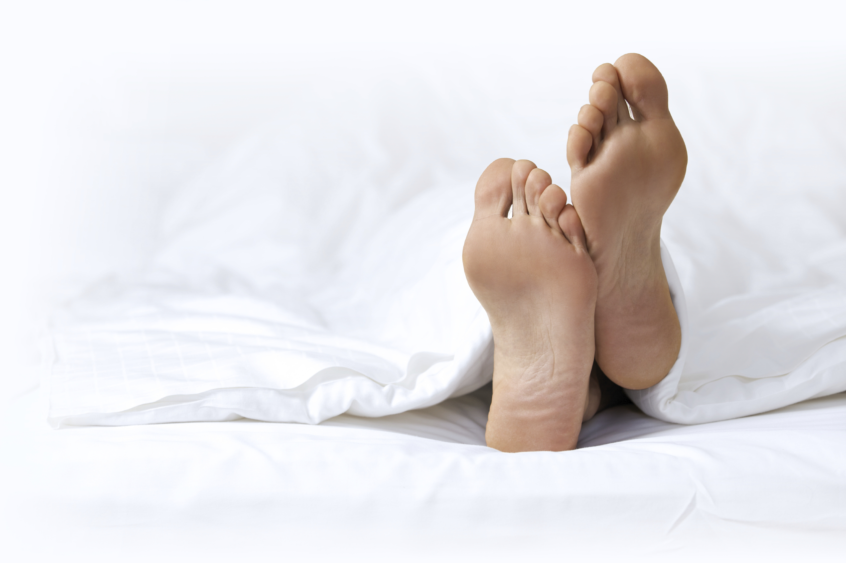 Sleeping in the nude is better for your health, say doctors.