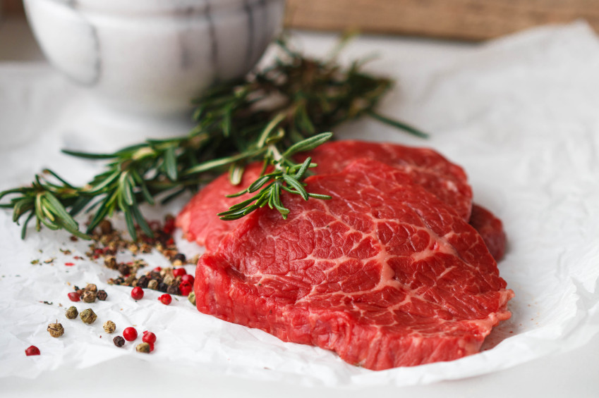 High-protein, low-carb eating plans like the Paleo diet improve sleep, say researchers at Purdue University.