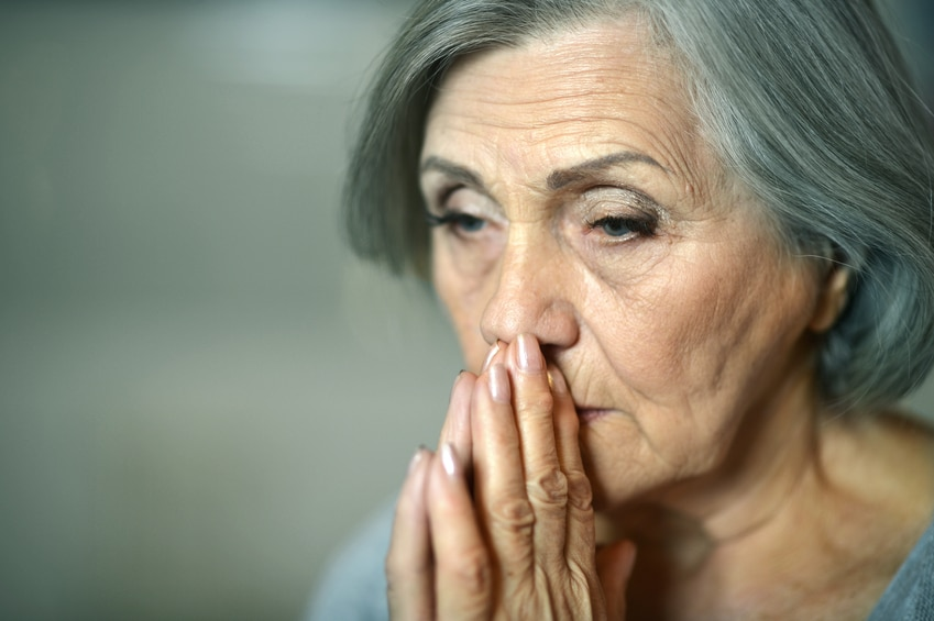 Abrupt behavior changes are often the first sign of Alzheimer's disease, a new Canadian study finds.